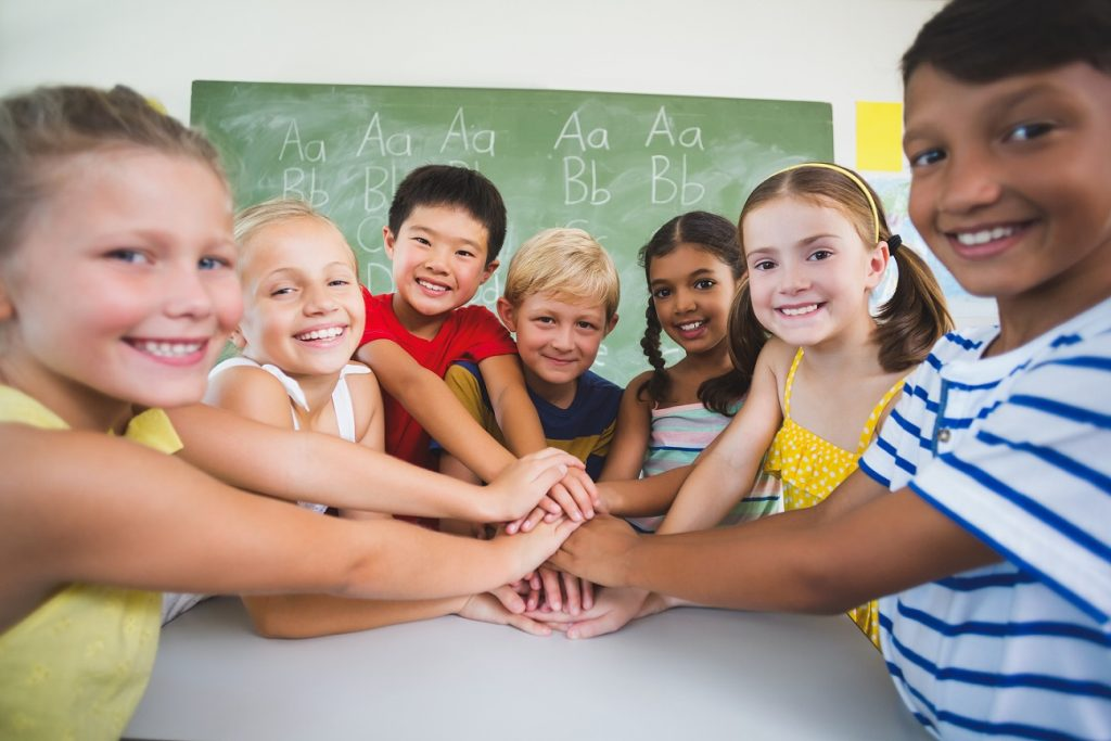 EISA provides settlement services to children and youth in community schools to help young immigrants to succeed and integrate.